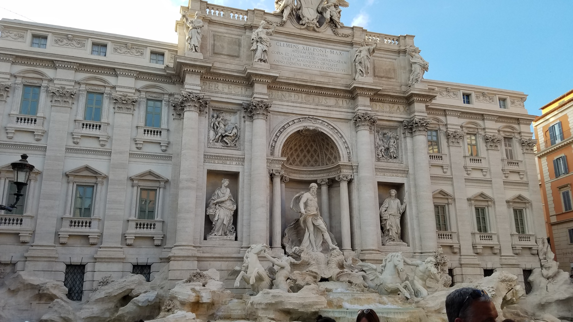 italy travel tip: do the best of rome free walking tour | The best thing you can do in any new place is go on a walking tour -- a FREE walking tour is even better!