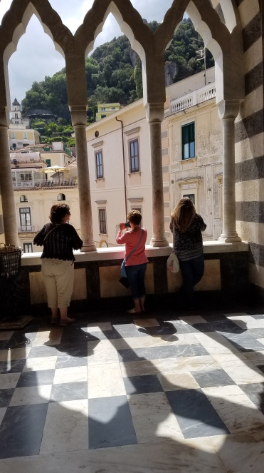 Italy Travel Tip | Hire a Private Guide to Take You to the Town of Amalfi