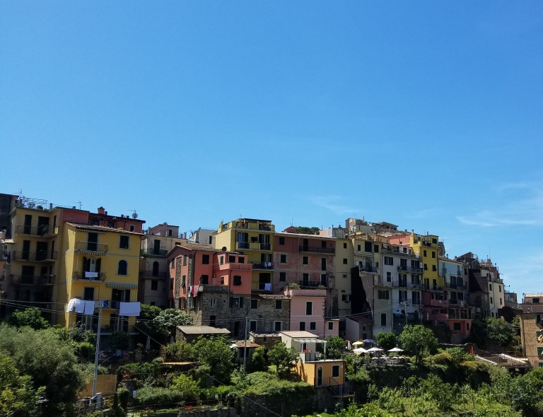 Italy Travel Tip | Eat lunch then burn off the calories with a hike along Cinque Terre