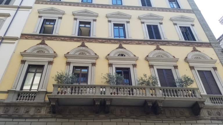 Italy Travel Tip | One of the best things about Florence is its architecture and abundance of balconies overflowing with flowers.
