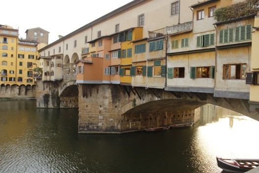 Italy Travel Tip | Take a stroll along the Ponte Vecchio