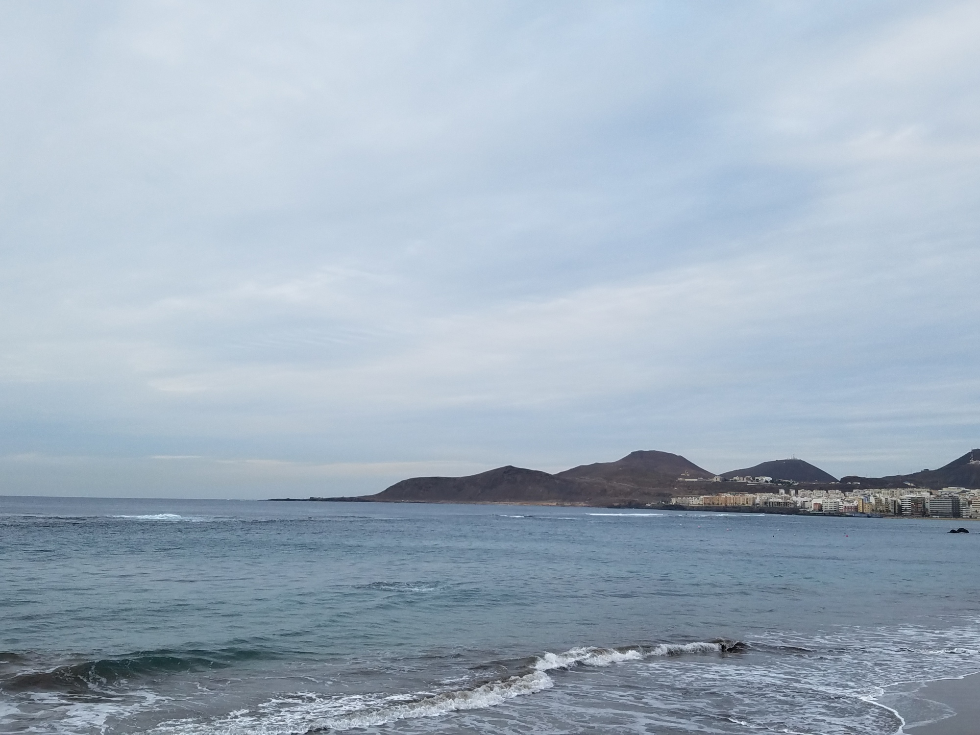 canary islands travel tip skip las palmas gran canaria playa de las canteras