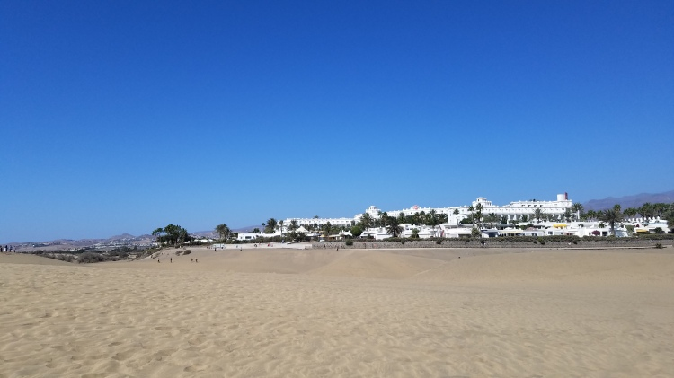 Canary Islands Travel Tip | Prepare for Maspalomas | Brings lots of water with you, because it really does feel like you're in the Sahara