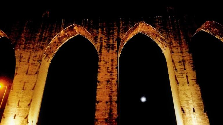 aqueduct-lisbon-portugal