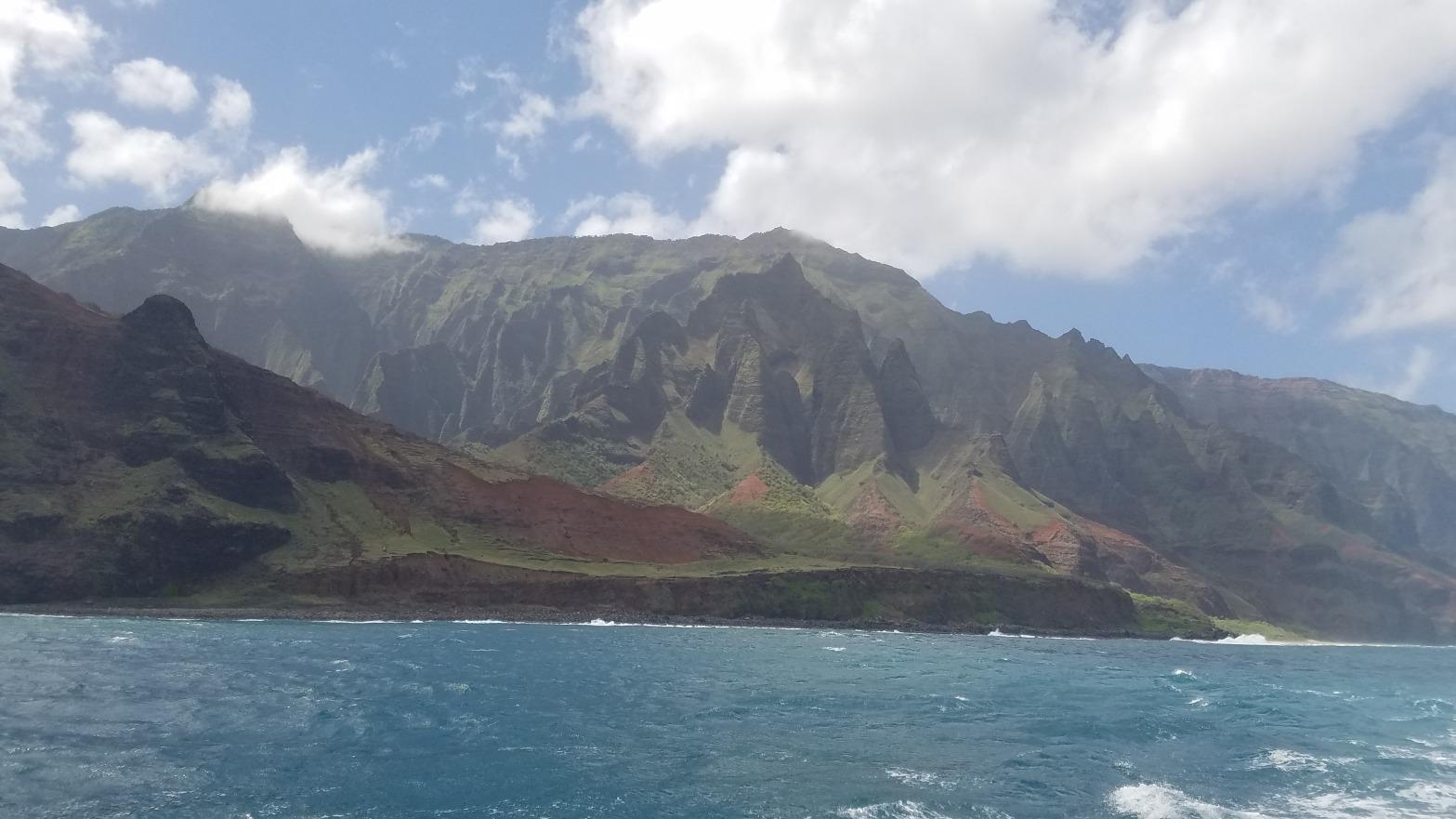 Kauai, Hawaii Travel Guide | Sail Along the Na Pali Coast