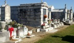 new orleans travel guide: st. louis cemetery no. 1 walking tour