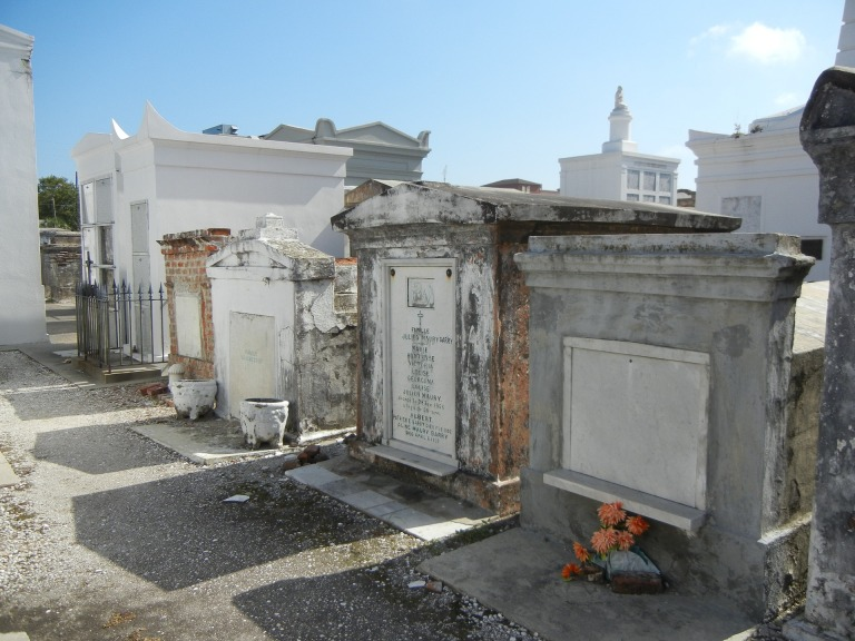 New Orleans Travel Guide | St. Louis I Cemetery Walking Tour