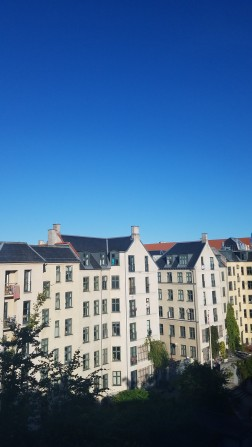 copenhagen travel guide | stay in an airbnb, do a free walking tour